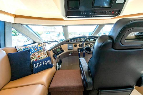 2001 Carver 57' Voyager IMPULSE III | Picture 7 of 88
