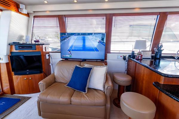 2001 Carver 57' Voyager IMPULSE III | Picture 4 of 88