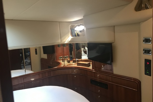 2002Sea Ray 55 ft 550 Sundancer   First Light