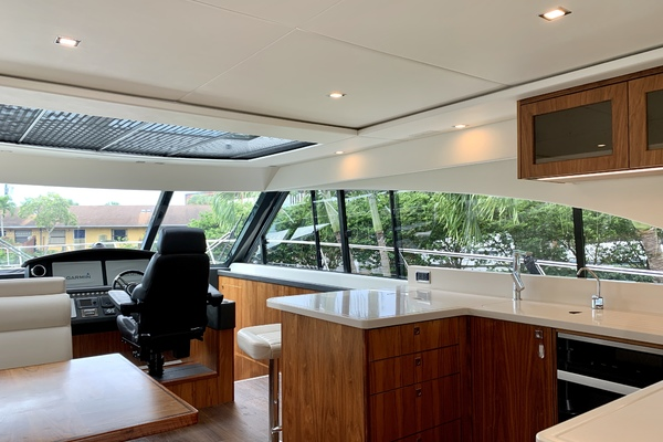 2017 Riviera 54' 5400 Sport Yacht JODIN | Picture 4 of 70