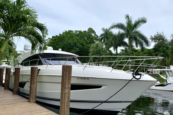 2017 Riviera 54' 5400 Sport Yacht JODIN | Picture 3 of 70