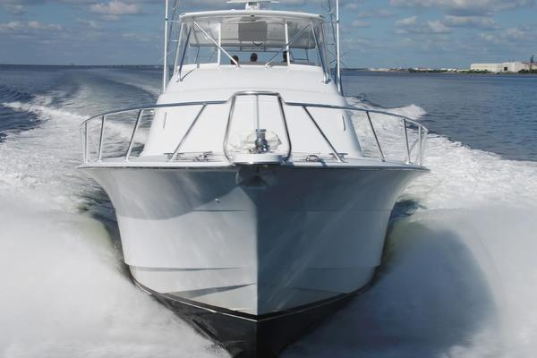 2006 Hatteras 64' Convertible ON TARGET   Picture 3 of 114