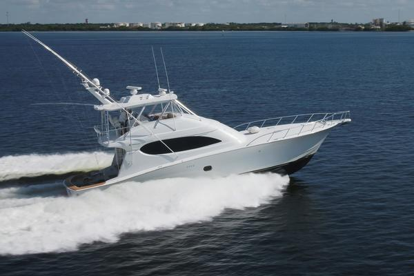 2006 Hatteras 64' Convertible ON TARGET   Picture 2 of 114