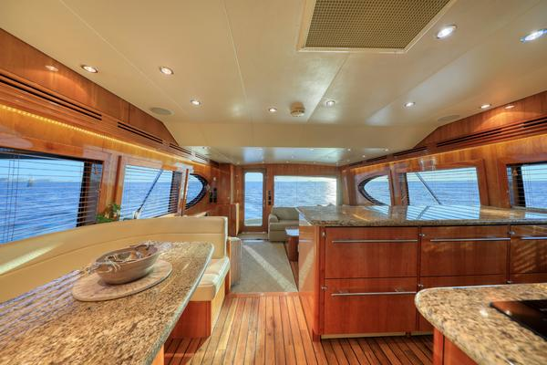 2006 Hatteras 64' Convertible ON TARGET   Picture 8 of 114