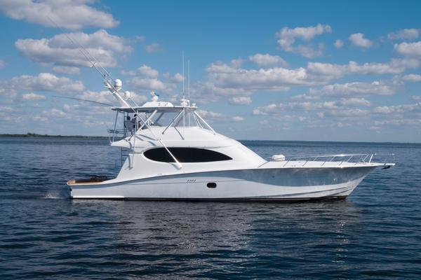 2006 Hatteras 64' Convertible ON TARGET   Picture 4 of 114
