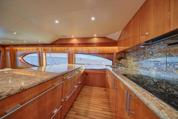 2006 Hatteras 64' Convertible ON TARGET   Picture 1 of 114