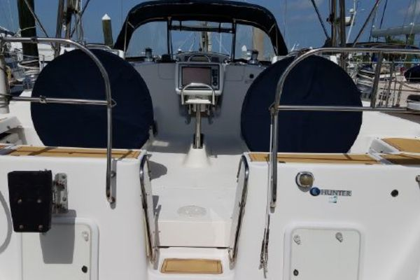 2010 Hunter 50'  The Journey | Picture 8 of 25