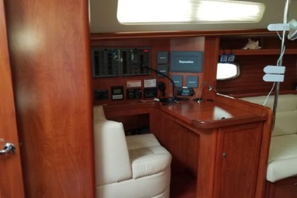 2010 Hunter 50'  The Journey | Picture 5 of 25