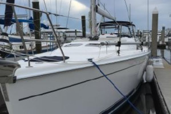2010 Hunter 50'  The Journey | Picture 3 of 25