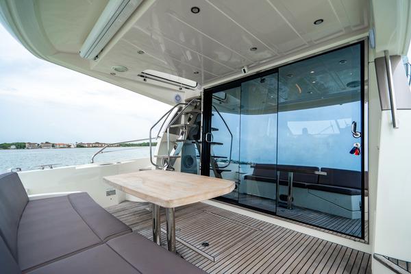 50 Prestige Flybridge
