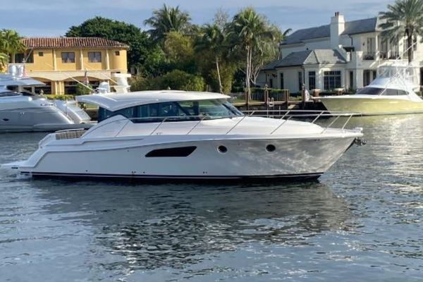 44-ft-Tiara-2017-44 Coupe-SKULLDUGGERY Fort Lauderdale Florida United States  yacht for sale