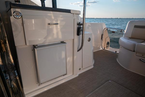 2014 Sea Ray 51' 510 Flybridge Never Settle | Picture 7 of 82