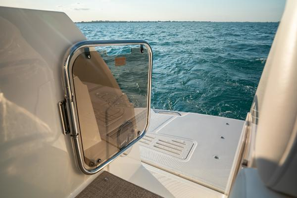 2014 Sea Ray 51' 510 Flybridge Never Settle | Picture 4 of 82