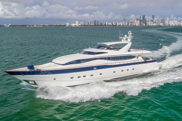 108' Viking Sport Cruisers 108 Motor Yacht 2002 |