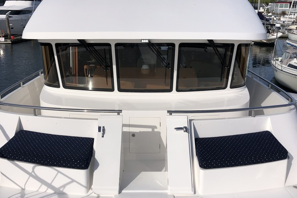 Picture Of: 68' Hampton Endurance 650 2013 Yacht For Sale | 2 of 38