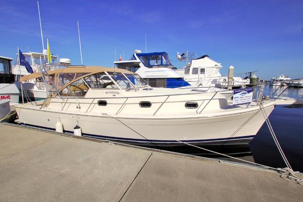 34-ft-Mainship-2008-34 PILOT-JAMES GALE Fort Myers Florida United States  yacht for sale