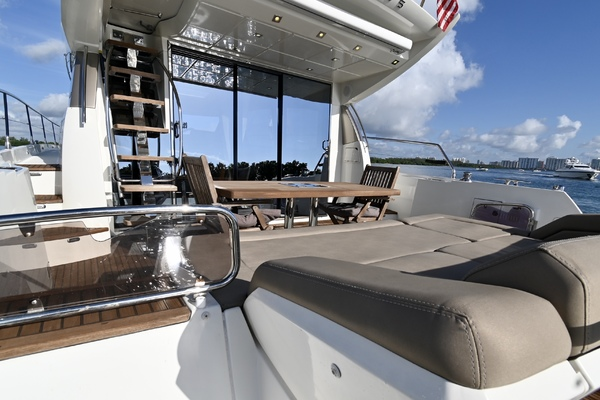 2015 Prestige 55' 550S Nolina II | Picture 6 of 53