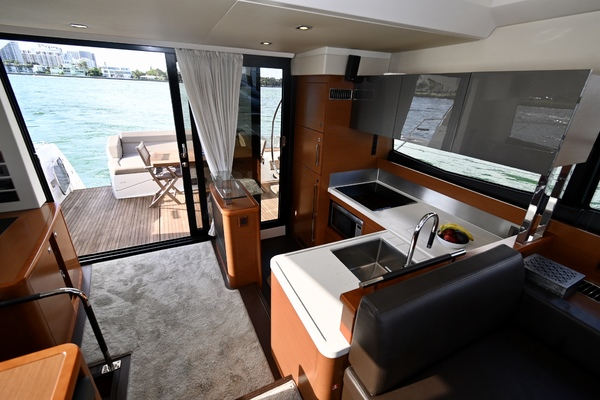 2015 Prestige 55' 550S Nolina II | Picture 3 of 53