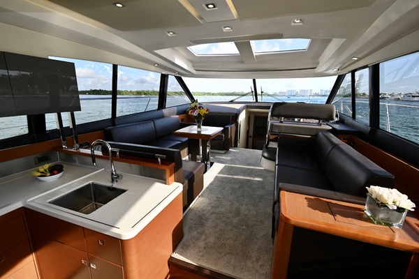 2015 Prestige 55' 550S Nolina II | Picture 4 of 53