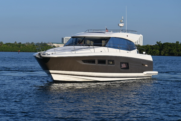 2015 Prestige 55' 550S Nolina II | Picture 2 of 53