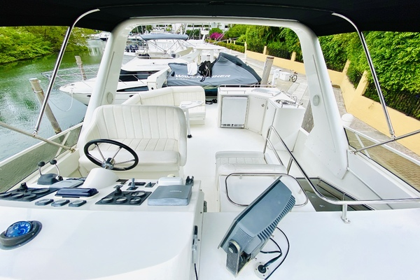 2003 Navigator 57' 5700 Rival The Motley Crew | Picture 7 of 111