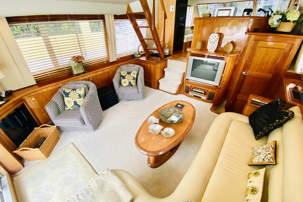 2003 Navigator 57' 5700 Rival The Motley Crew | Picture 4 of 111
