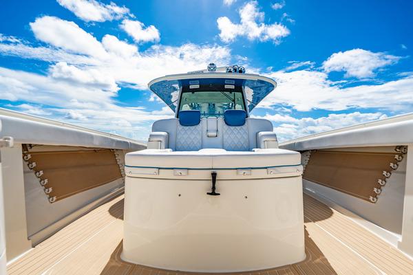 2016 HCB 53 Suenos  Salt Shaker  Bow