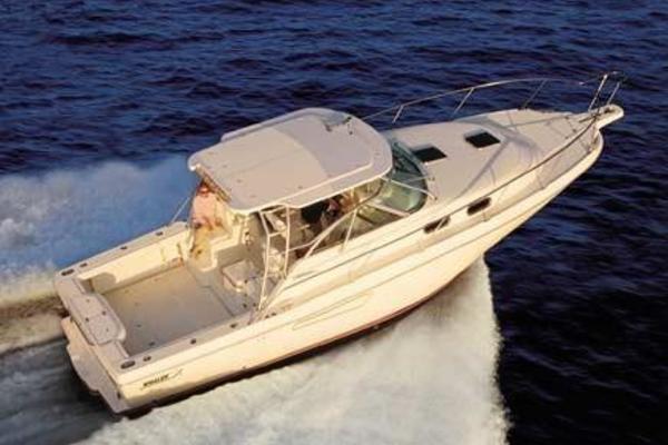 37' Boston Whaler 350 Defiance 2002 | R&c