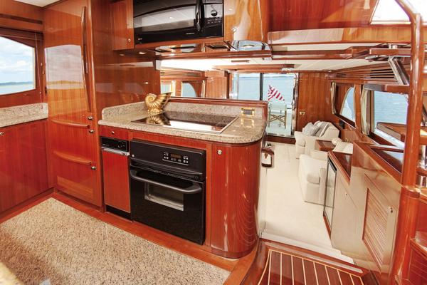 2010 Hampton 58' Pilothouse Motoryacht Relentless | Picture 4 of 54