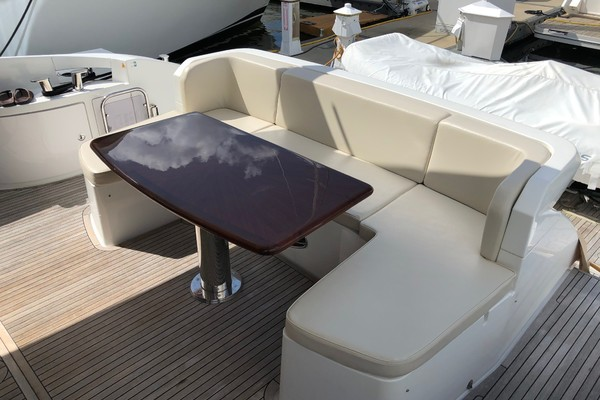 2013 Azimut 64' 64 Flybridge THE GREEN FLASH | Picture 6 of 32