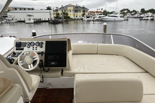 2013 Azimut 64' 64 Flybridge THE GREEN FLASH | Picture 8 of 32
