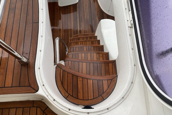 2013 Azimut 64' 64 Flybridge THE GREEN FLASH | Picture 5 of 32