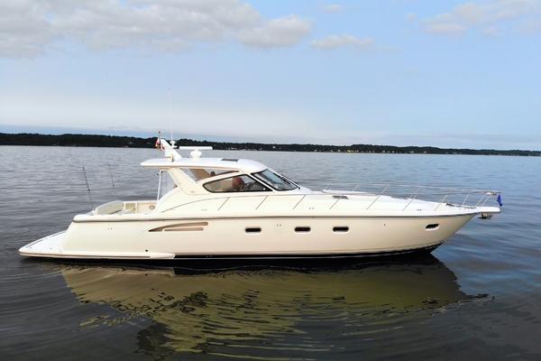 Tiara Yachts 52 Express