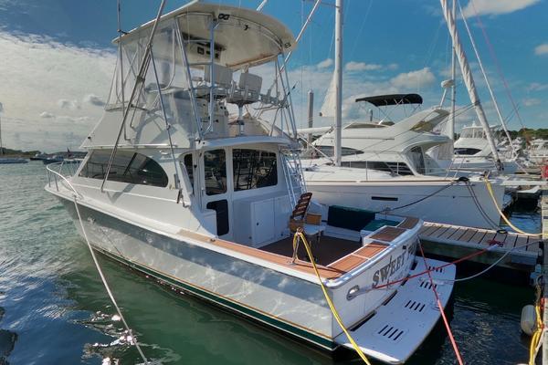 37' Egg Harbor 37 Sport Yacht 2001 |