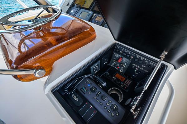 2015 Viking 62 Convertible  HT Hook