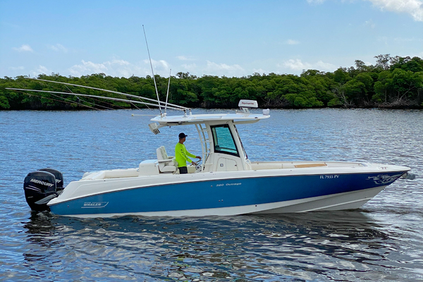32-ft-Boston Whaler-2013-320 Outrage- Stuart Florida United States  yacht for sale
