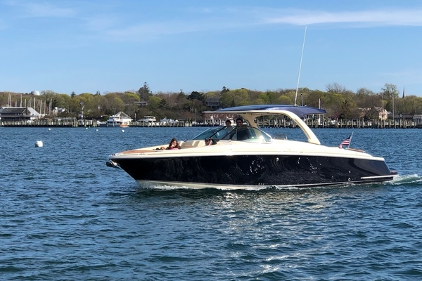 35-ft-Chris-Craft-2019-Launch 35 GT- Sag Harbor New York United States  yacht for sale