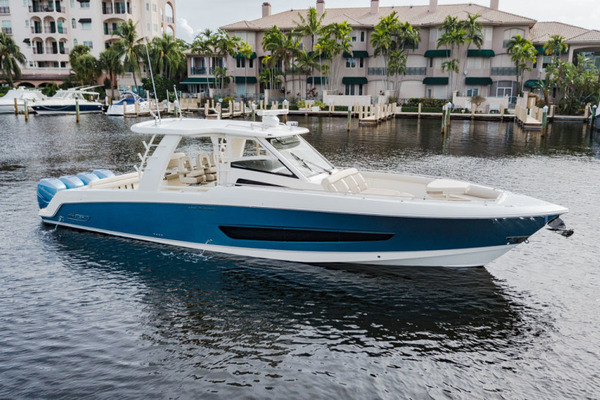 42-ft-Boston Whaler-2017-420 Outrage-Boss Hawg Ft. Lauderdale Florida United States  yacht for sale
