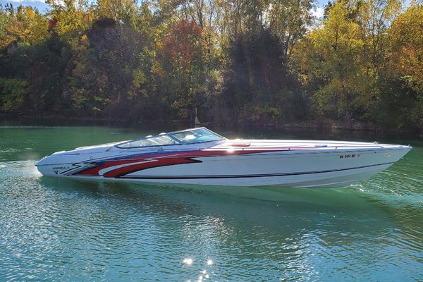 35-ft-Thunderbird-1999-Formula 353 Fastech-No Name Detroit Michigan United States  yacht for sale