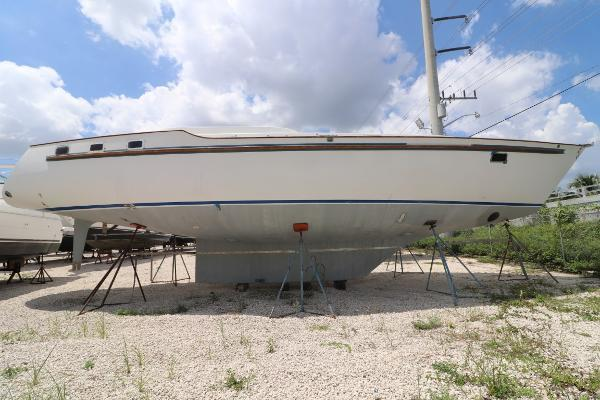 50' Marine Projects Seamaster Vs Sailboat 2006 | Marine Projects Seamaster Vs Sailboat