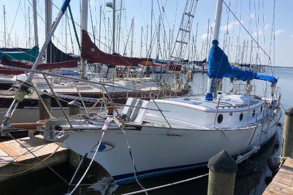 36' Herreshoff Trawler 1984 |