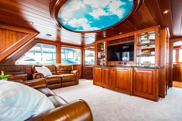 2000 Conrad Shipyard 88 Motor Yacht Chillin