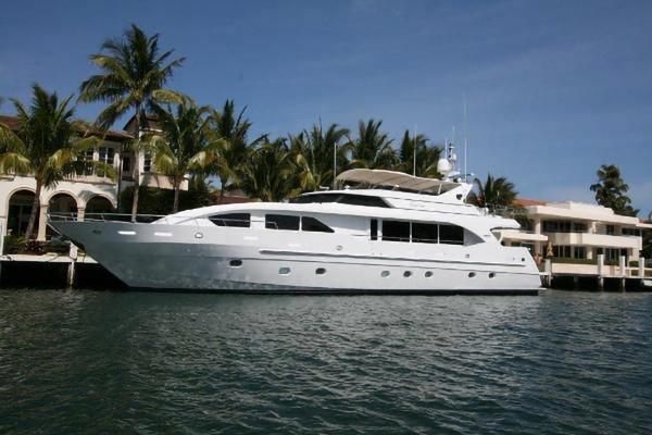 95' Intermarine Raised Pilothouse Motor Yacht 2001   Carpe Diem
