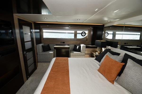 2017 Cruisers 60 Cantius  Mrs Robinson  Cockpit