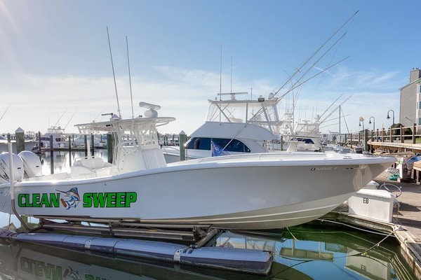 36' Yellowfin Center Console 2009 | Clean Sweep