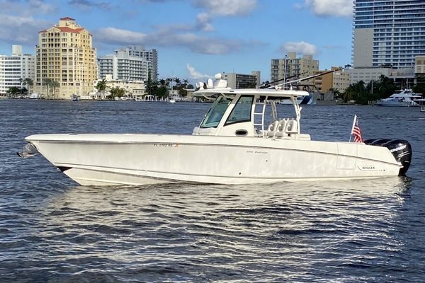 35' Boston Whaler 350 Outrage 2015 | D Straction