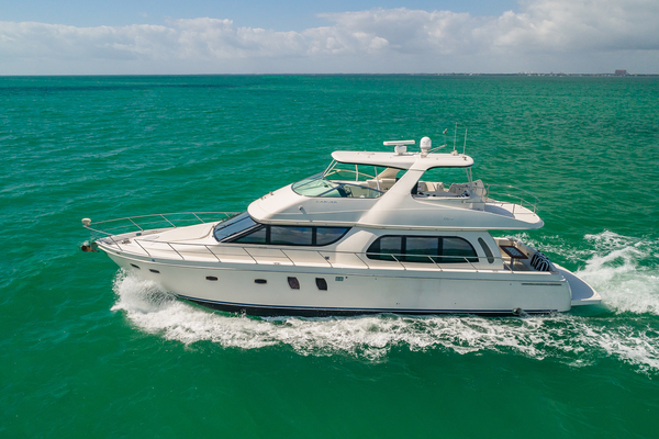 56' Carver Cantius 2007 | Thirsty