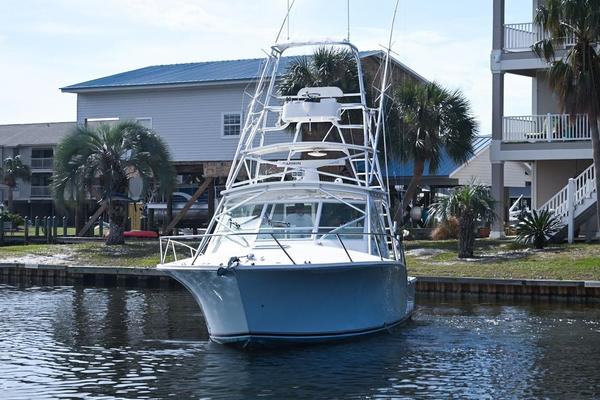 2011Carolina Classic 32 ft Express   Watch Your Back