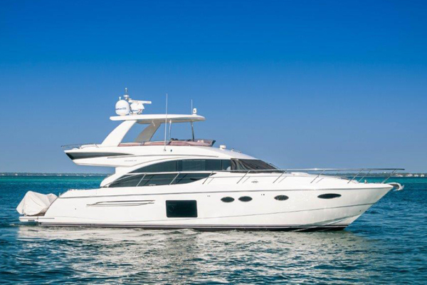 60' Princess 60 Flybridge 2016 | Tiki Bar