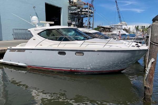 37' Tiara Yachts 3500 Sovran 2008 |
